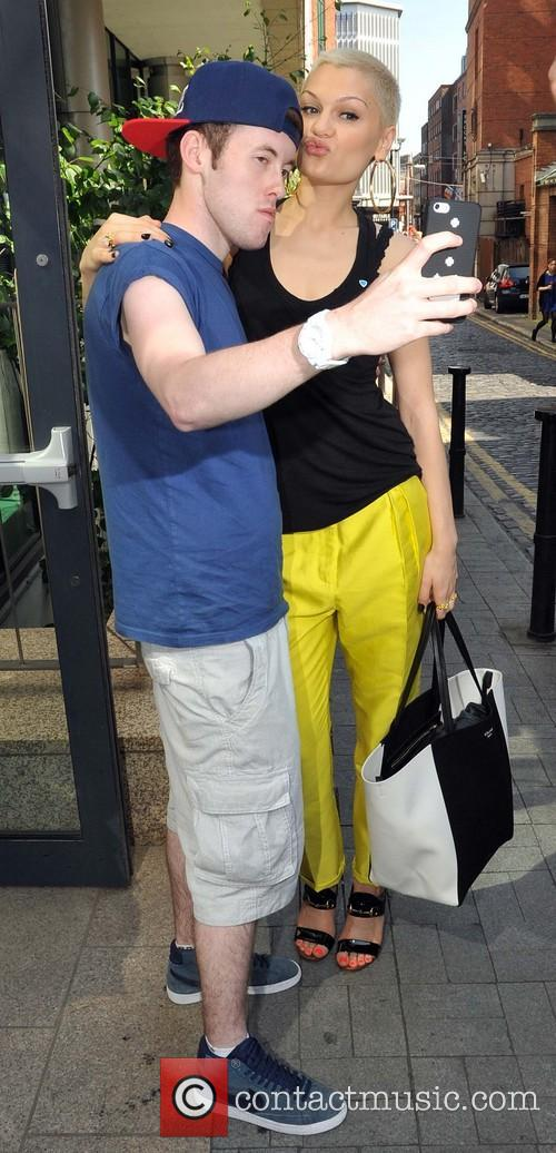 Jessie J and Fan 7