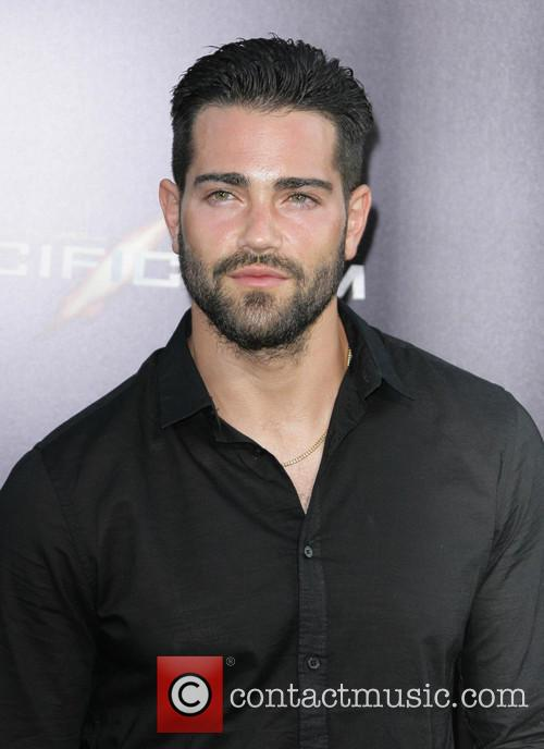 jesse metcalfe los angeles premiere of pacific 3753948
