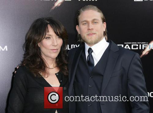 Katey Segal and Charlie Hunnam 2