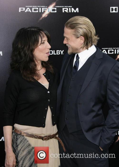 Katey Segal and Charlie Hunnam 4