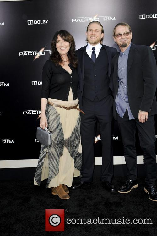 Katey Sagal, Charlie Hunnam and Kurt Sutter 6