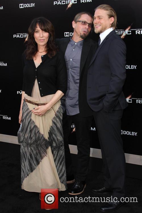 Katey Sagal, Kurt Sutter and Charlie Hunnam 1