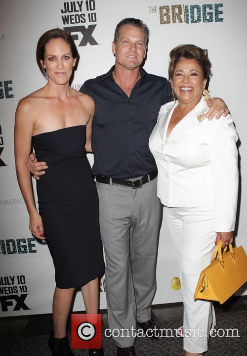 Annabeth Gish, Brian Van Holt and Alma Martinez 5