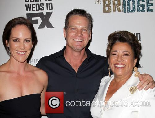 Annabeth Gish, Brian Van Holt and Alma Martinez 6