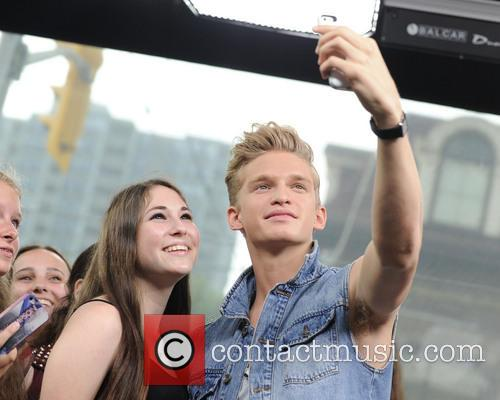cody simpson cody simpson co hosts newmusiclive 3754097