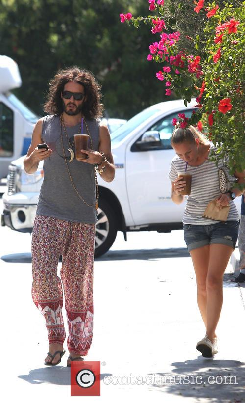 russell brand russell brand at coffee bean 3753993