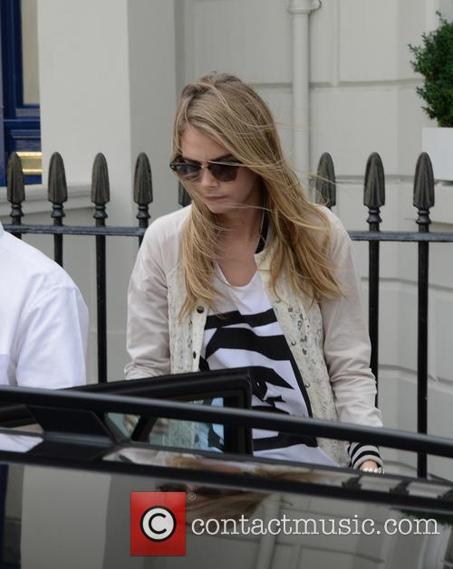 Cara Delevingne goes for lunch with her sister