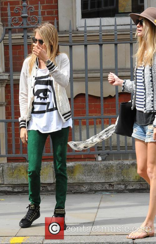 cara delevingne poppy delevingne cara delevingne goes for 3754329
