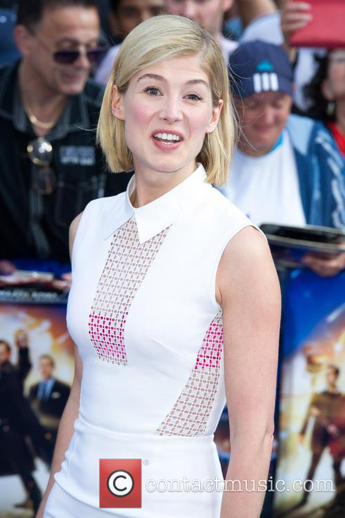 rosamund pike world premiere of the worlds 3754697