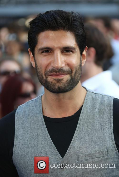kayvan novak world premiere of the worlds 3754765