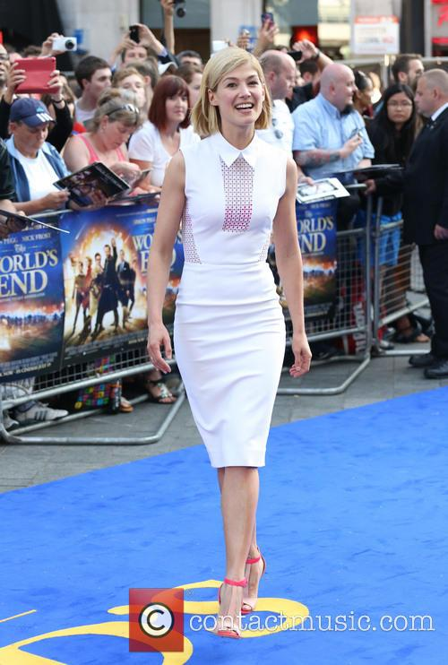 rosamund pike world premiere of the worlds 3754794