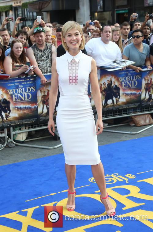 rosamund pike world premiere of the worlds 3754514