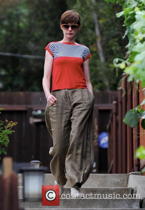 Anne Hathaway Visiting Friends