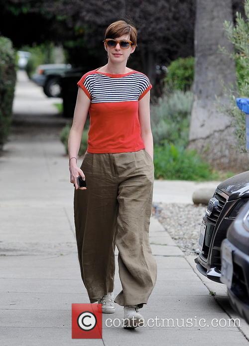 Anne Hathaway 26