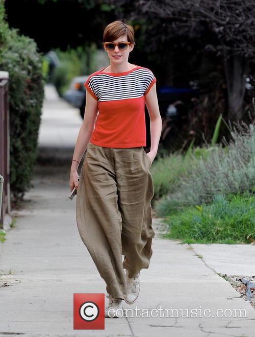 Anne Hathaway 31