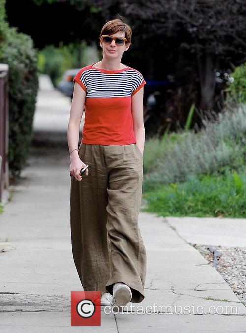 Anne Hathaway 33