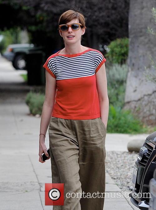 Anne Hathaway 34