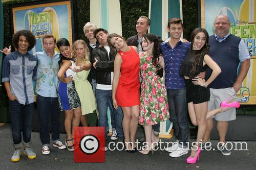 Jordan Fisher, Chrissie Fit, Kent Boyd, Mollee Gray, John Deluca, Ross Lynch, Maia Mitchell, William T. Loftis, Grace Phipps, Garrett Clayton, Jessica Lee Keller and Kevin Chamberlin 3