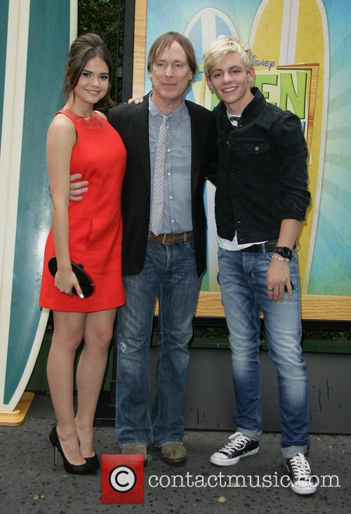 Maia Mitchell, Jeffrey Hornaday and Ross Lynch 5
