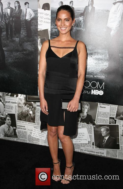 olivia munn premiere of hbos the newsroom 3755775