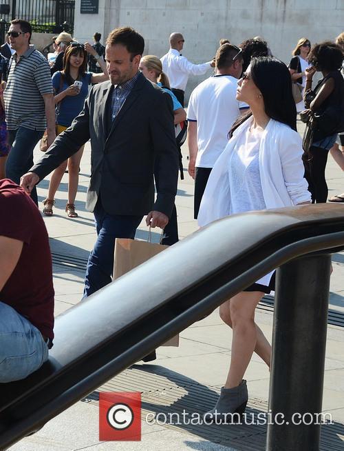 Jonny Lee Miller and Lucy Liu 3