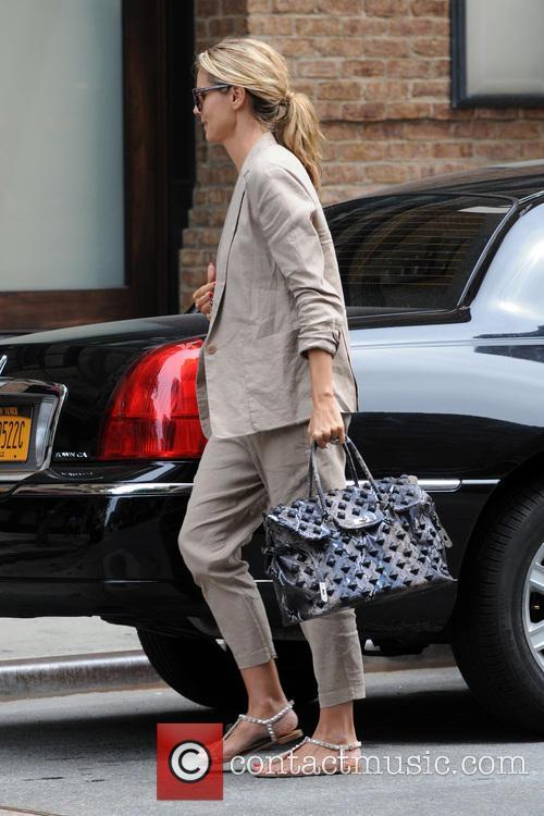 Heidi Klum Arrives At Her Manhattan Hotel