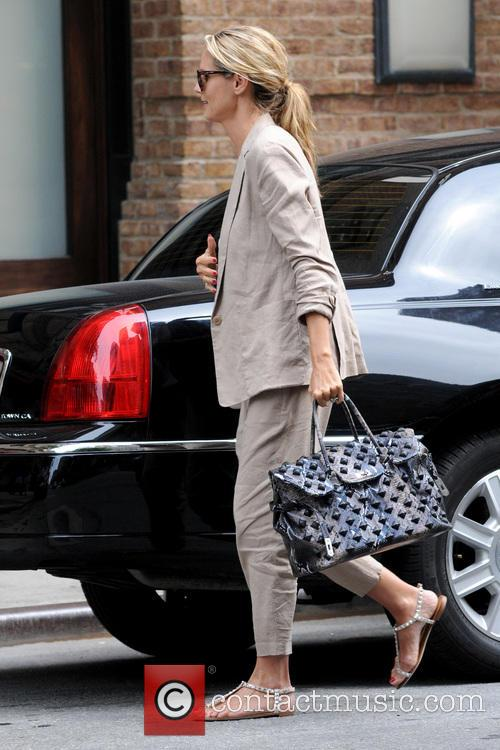 Heidi Klum Arrives At Her Manhattan Hotel