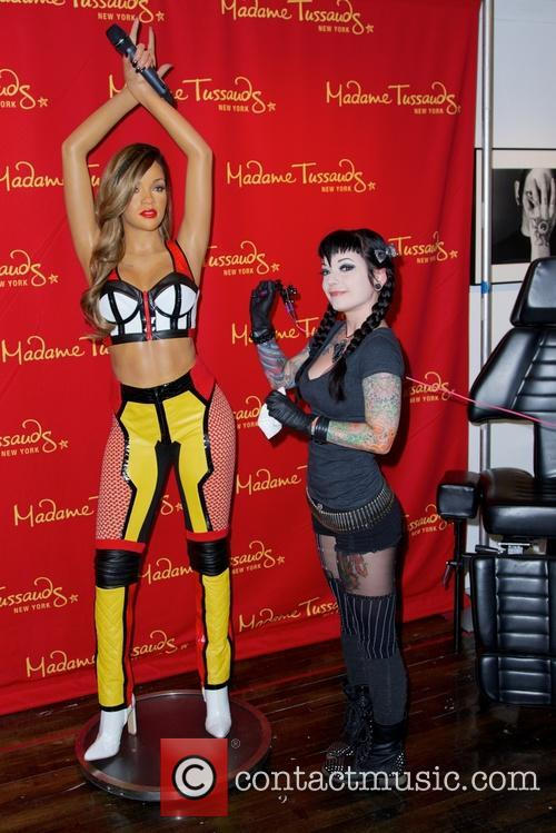 Rihanna and Jessica V 8