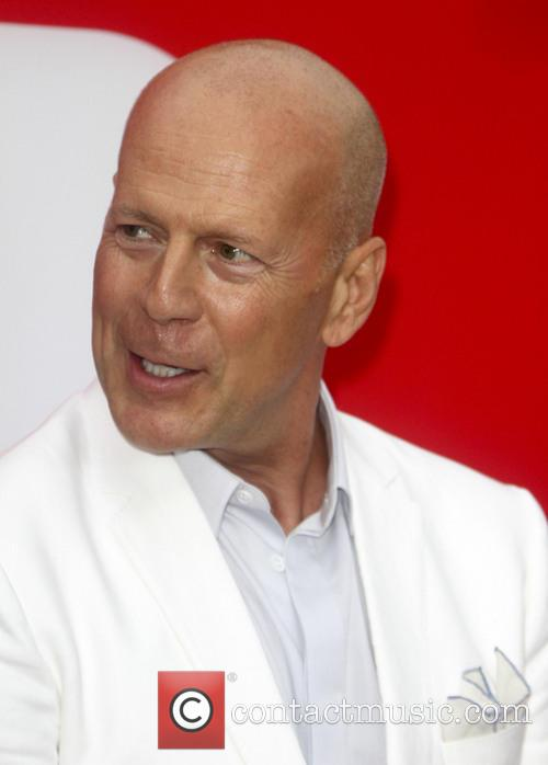 bruce willis los angeles premiere of red 3759358