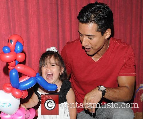 Mario Lopez and Gia 5
