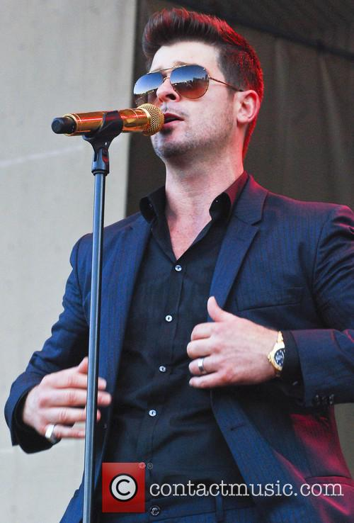 robin thicke taste of chicago 2013 3757892