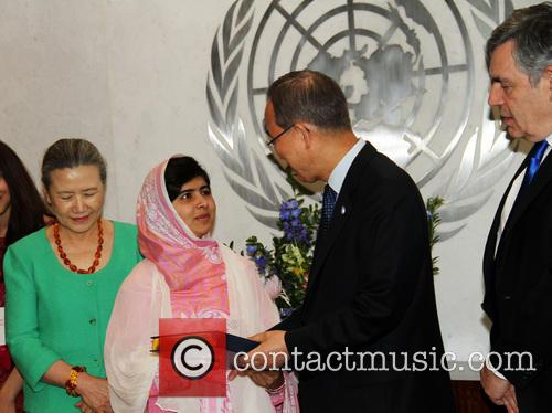 Mrs Ban Ki Moon, Malala Yousafzai, Ban Ki Moon and Gordon Brown 10