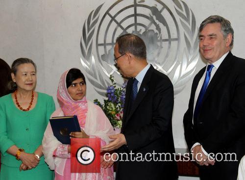 Mrs Ban Ki moon, Malala Yousafzai, Ban Ki moon and Gordon Brown 7