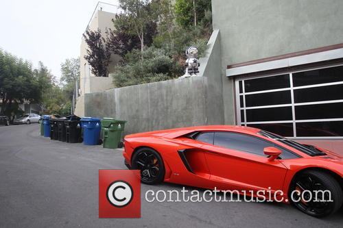 graffiti removed from Chris Browns house