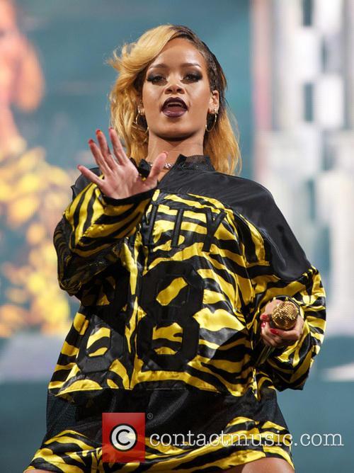 Rihanna 19