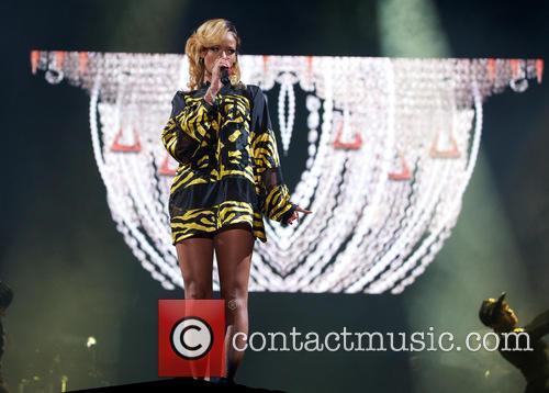 Rihanna 70