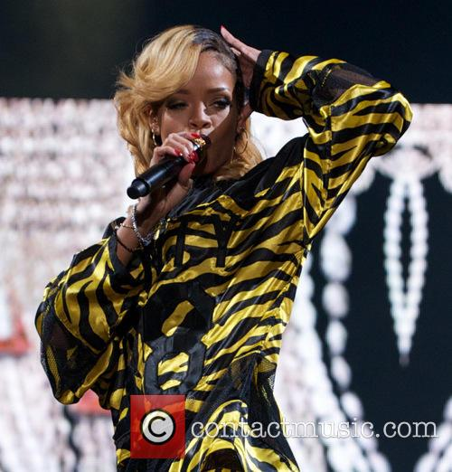 Rihanna 72