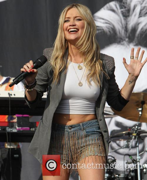 Laura Whitmore 2