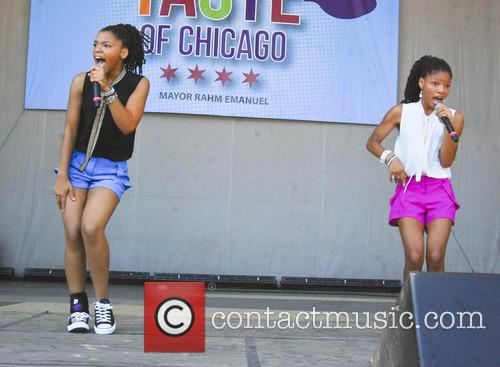 Chloe and Halle Bailey 1