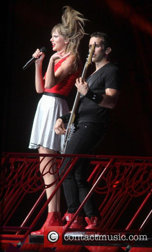 taylor swift taylor swift performs live 3761280
