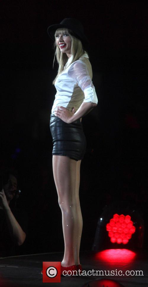 taylor swift taylor swift performs live 3761281