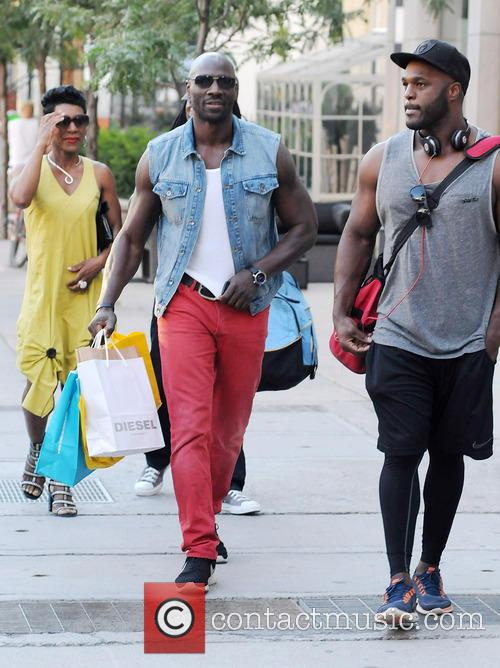 adewale akinnuoye agbaje celebrities out and about in 3761578