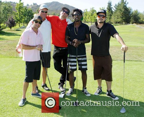Sean Flynn, Shwayze and Guests 1