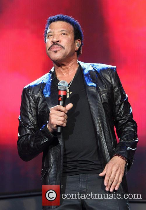 Lionel Richie 25