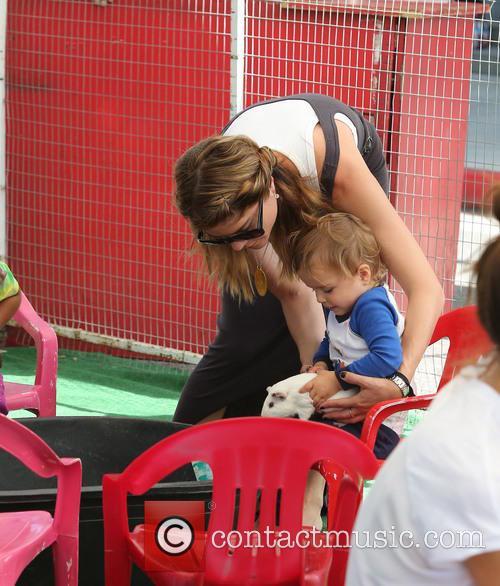 selma blair selma blair with her son 3762285