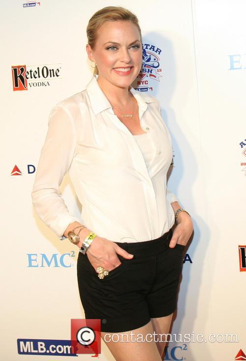 Elaine Hendrix 4