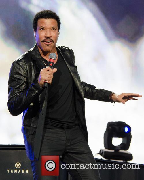 Lionel Richie 54
