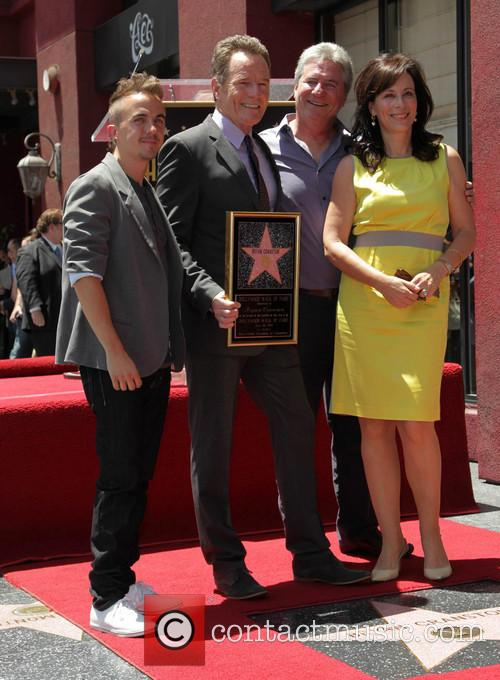 Frankie Muniz, Bryan Cranston, Linwood Boomer and Jane Kaczmarek 3