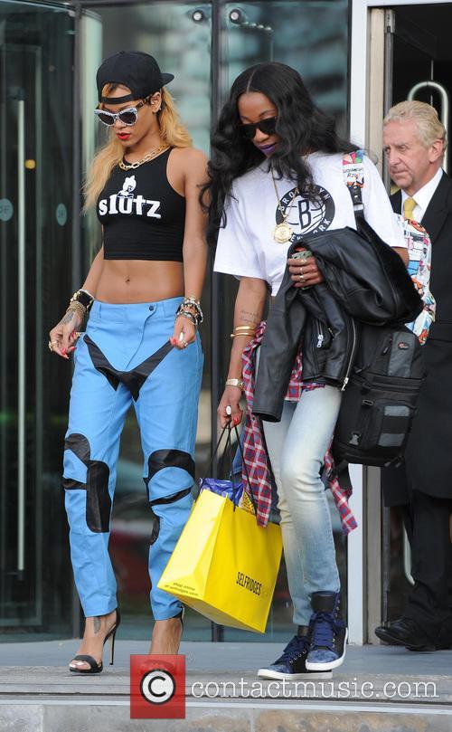 Rihanna 22