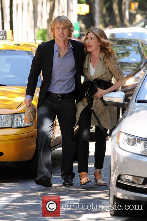 Owen Wilson and Kathryn Hahn 9